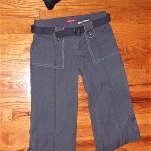 unionbay size 3  gray cargo capris womens shorts